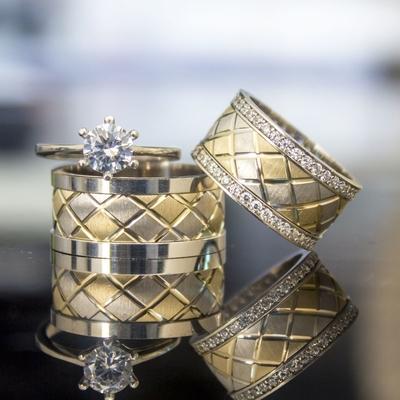 Altın Ve Gümüş Renk Çizgili Çift Alyans Pa112 - Thumbnail